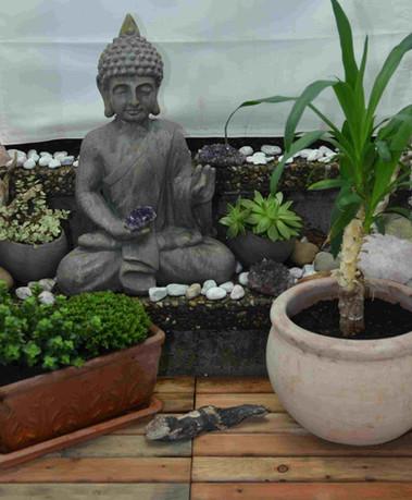 Ein Buddha im Außenbereich