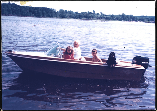 Family_Boat.png
