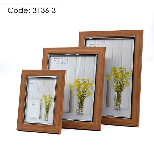 3136.3 - Wood picture frame