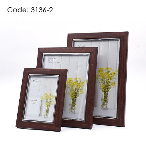 3136.2 - Wood picture frame
