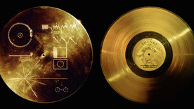 Voyagers-Golden-Record-1977.jpg
