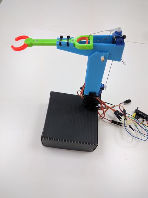 Bras robotique industriel
