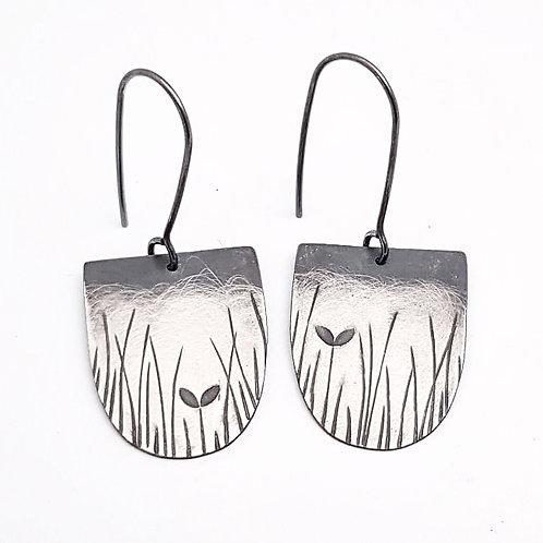 NEW - Silver ombre D shape dangle earrings (Grasses) - w/s