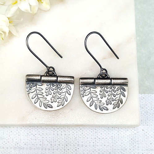 Oxidised leaf earrings - w/s