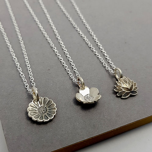 Silver Meadow Flower Pendant