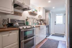 Owl Airbnb Full Kitchen
