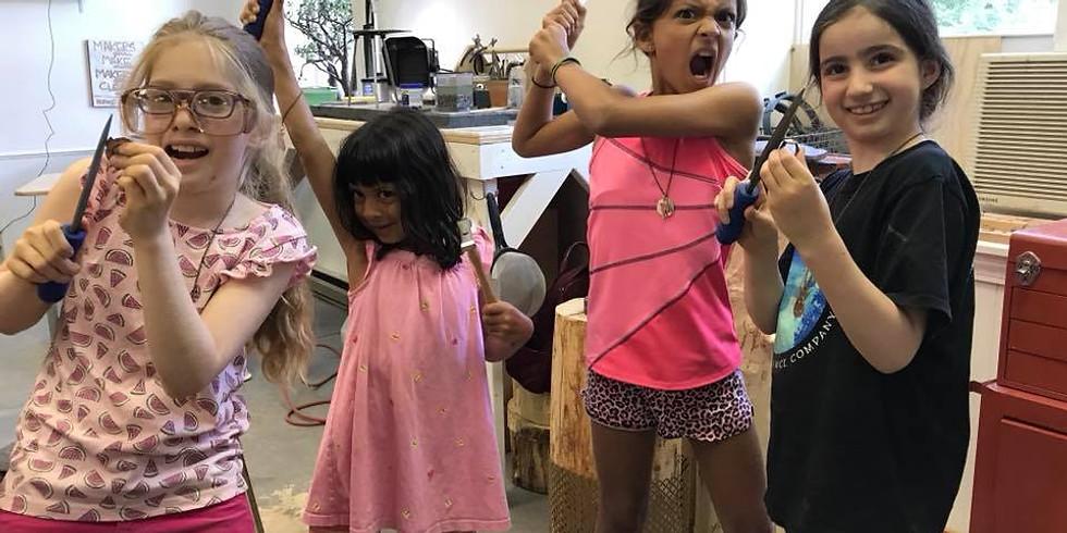 Kiddos Make Jewelry Class