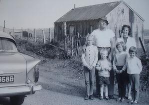 Liza's family with Murdo MacFarlane.JPG
