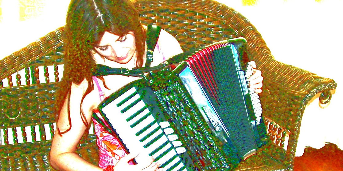Accordion sitting. Highlighted colour..j