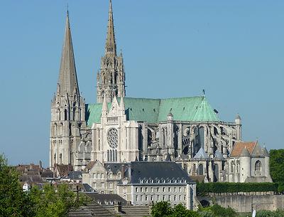 Notre_Dame_de_Chartres (1).jpg
