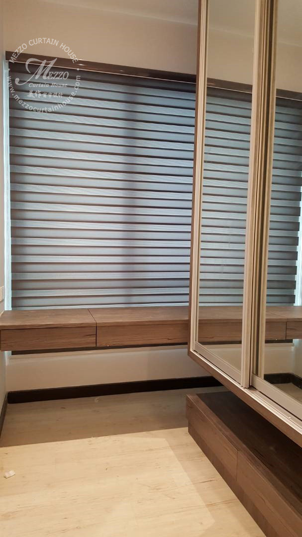 Zebra Blind~Beautifully diffused light and room darkening privacy