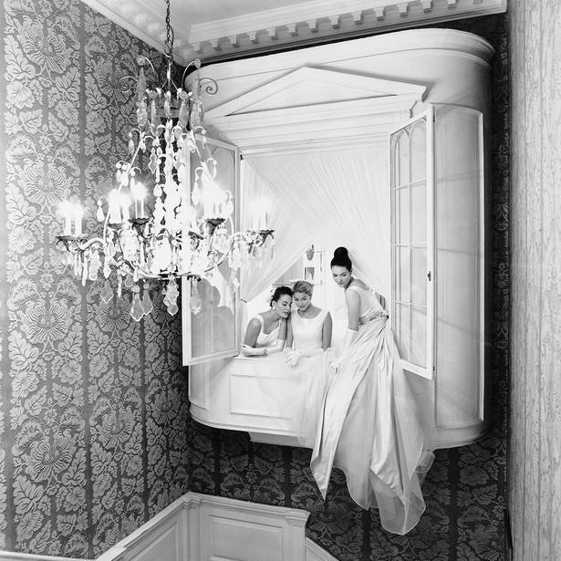 Brides-at-Hardy-Amies_1994.jpg