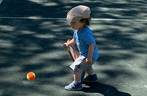 Shy plays tennis1.jpg