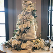 Multi-flavored Wedding Cake _Congratulat