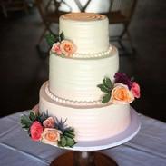 Vanilla Ombré Wedding Cake_#sumtemptsbak