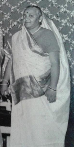ba_1977_8_sari.jpg