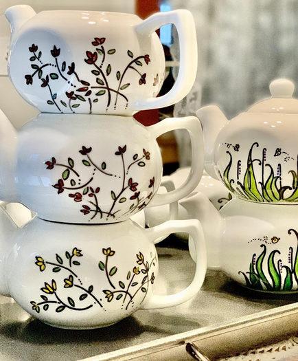 More designs of ceramic teapots