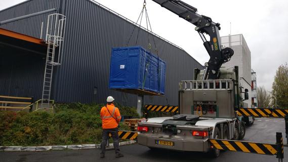 הובלת מכונת דפוס גדולה בצרפת