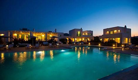 louer une villa à paros avec pisivine dans le complexe de luxe Naoussa Bay Villas