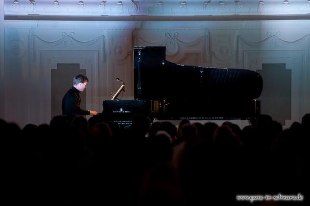 stuttgart_schwarz-classic_and_depeche_Konzert-2012_04_13-michael_kueper-0014