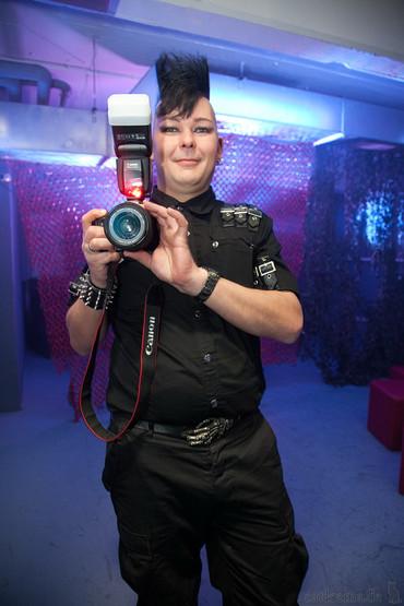 stuttgart_schwarz-meets-ronan_harris-2011_04_09-cat_mason-0034