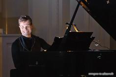 stuttgart_schwarz-classic_and_depeche_Konzert-2012_04_13-michael_kueper-0016