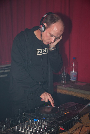 stuttgart_schwarz-die_roehre-last_dance-2011_03_12-cat_mason-0029