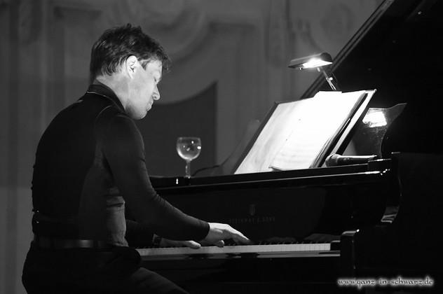 stuttgart_schwarz-classic_and_depeche_Konzert-2012_04_13-michael_kueper-0005