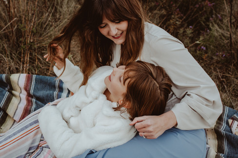 mother and daughter portrait in price park | elkhorn wi