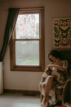 in home nursing photography lifestyle session | elkhorn, wi