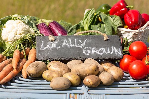 Farmers-Markets-Local-Produce-Benefits.j