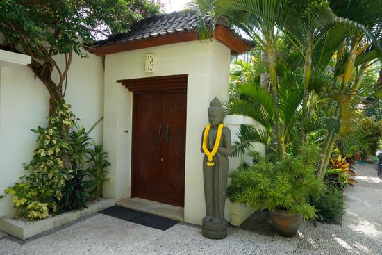 Eingang zur Villa