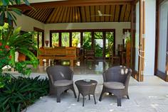 Open Living Room/Terrace