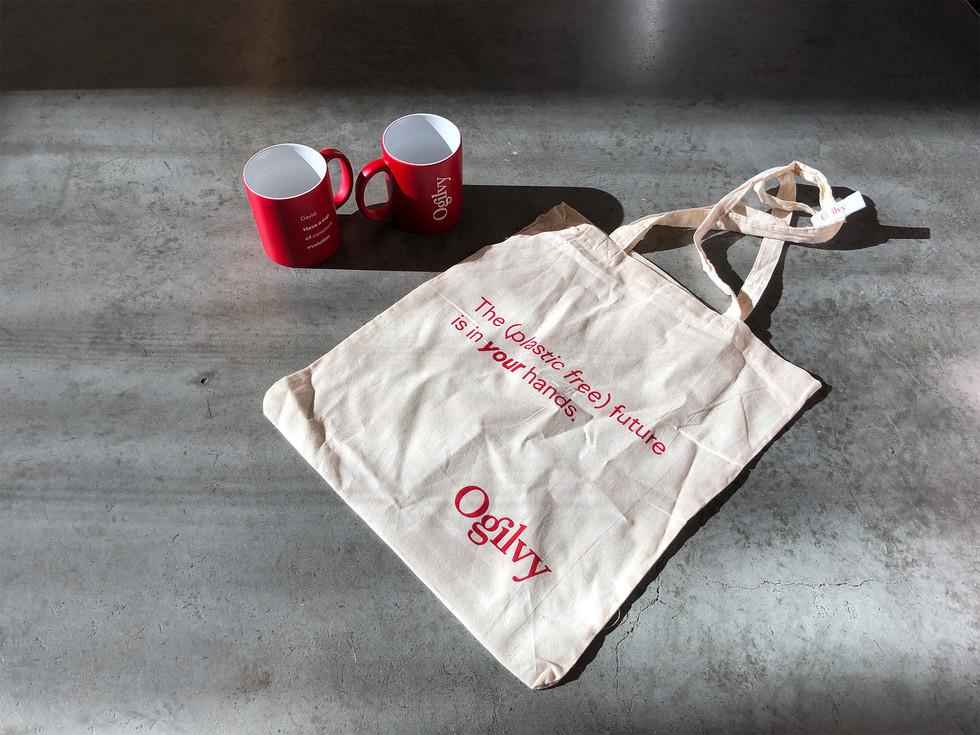 Personalised mugs & totebag