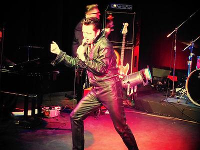 Dave B as Elvis (Elvis v Jerry Lee Lewis