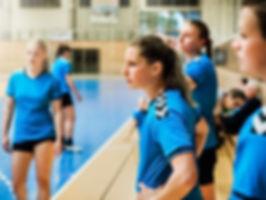 女性のハンドボールチーム