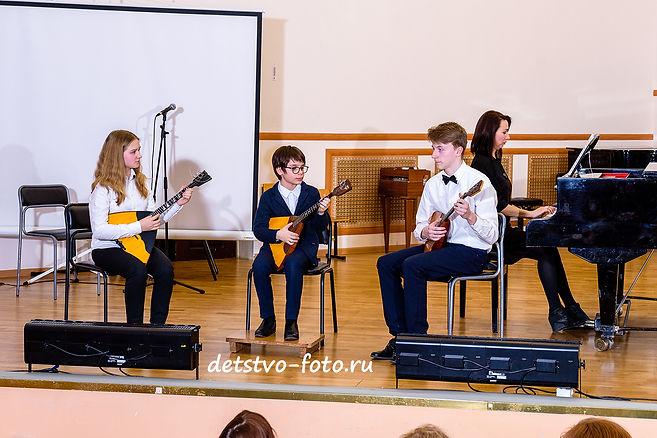 концерт в школе искусств балалайка