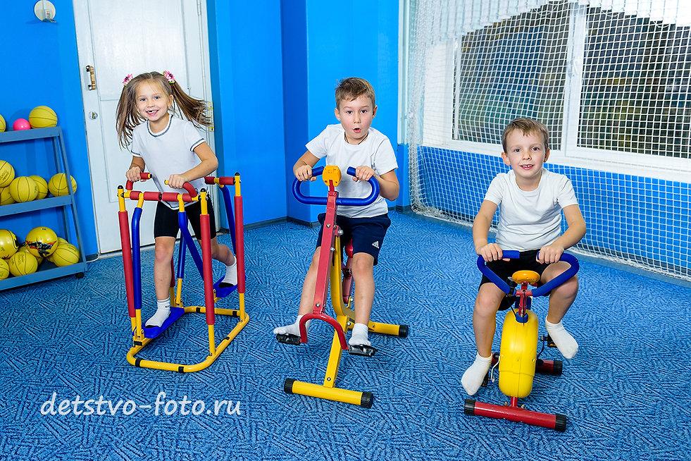 один день в детском саду физкультура