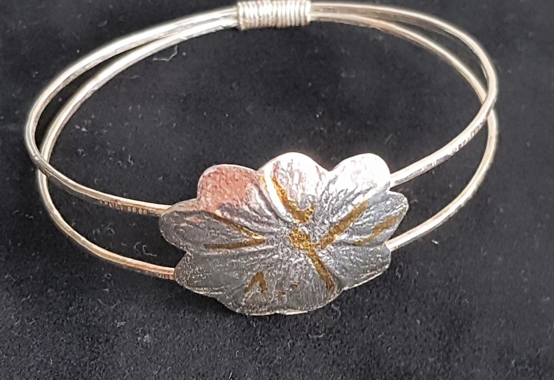 Kuemboo Flower Bracelet