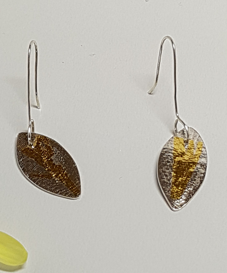 Kuemboo Leaf Earrings