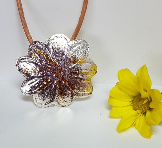 Daisy Kuemboo Necklace
