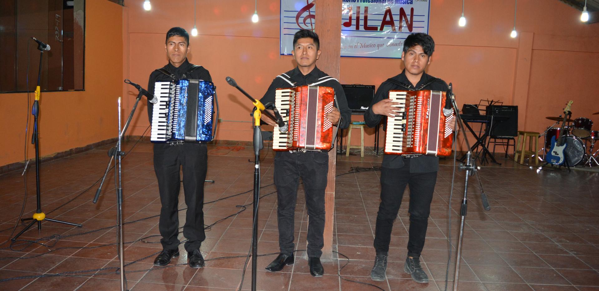 grupo de acordeon