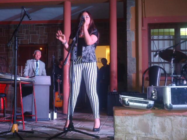 cantar con todo el talento