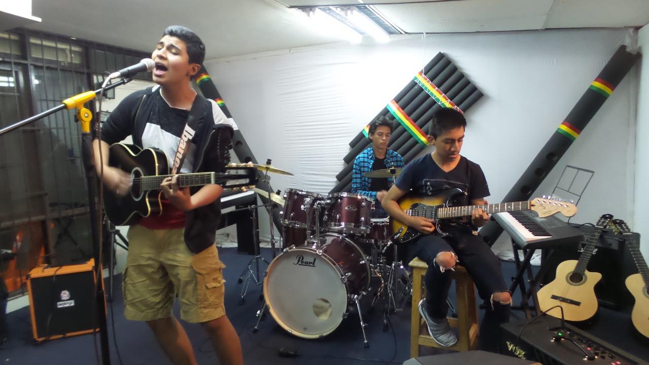 grupo de rock en el milan