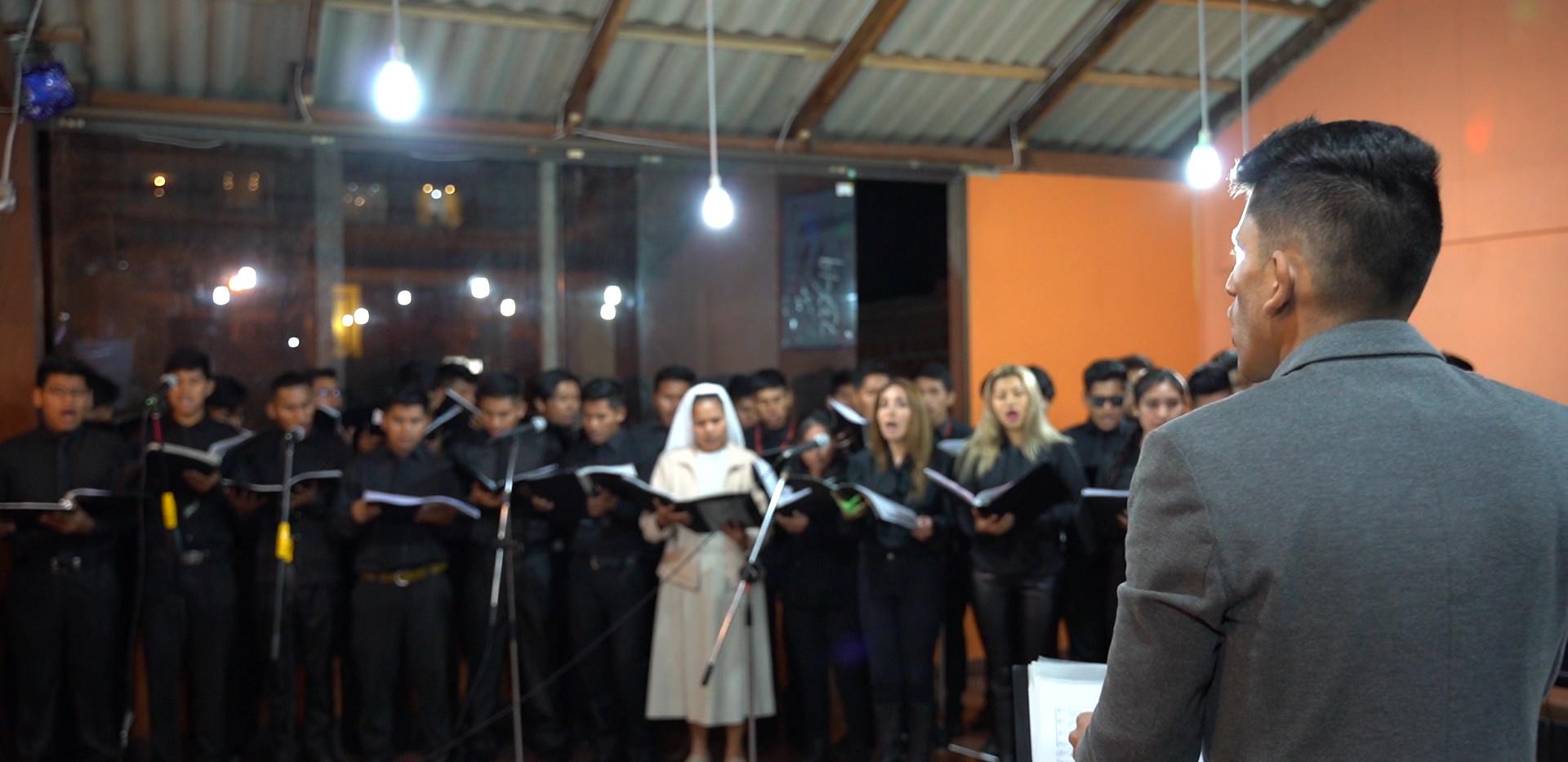 coro academia milan
