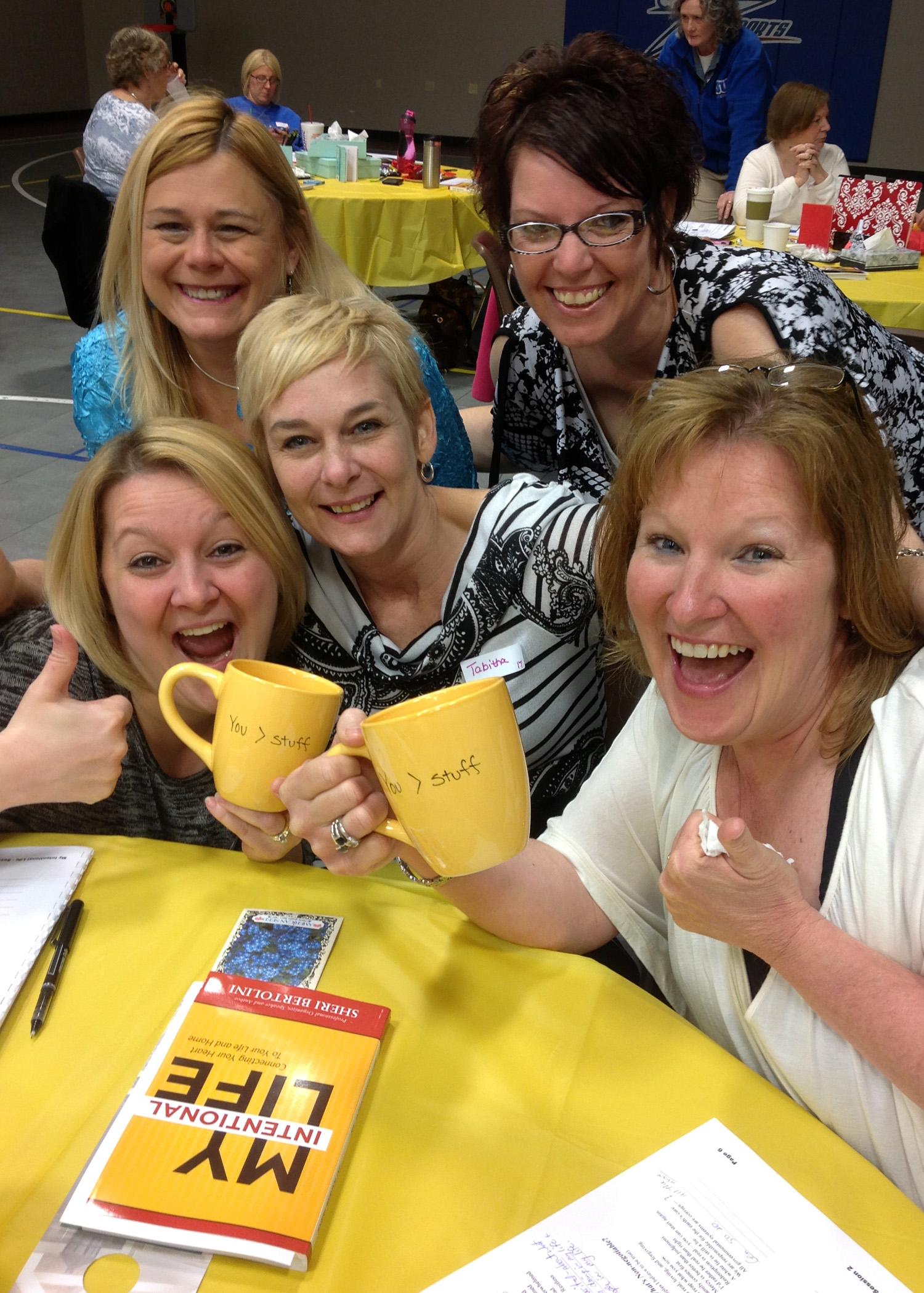 SPPRAK women w mugs