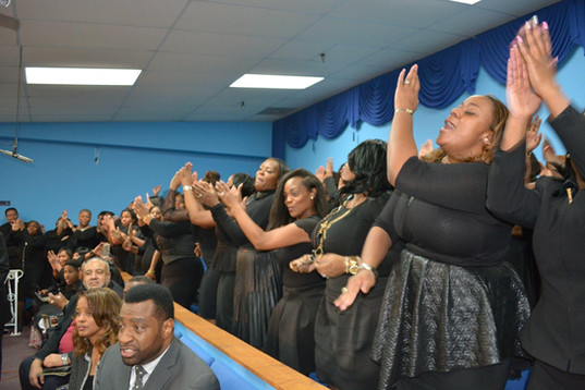 Date of Photograph: ca. October 30, 2015  The Levites Reunion Choir singing during the Monument of Faith Church Family Homegoing Celebration for Apostle Richard D. Henton  Physical Attributes: Color (2048 x 1365 px; 96 dpi)  Photo Credit: Courtesy of Rory Trotter Sr.  Going Home | R.D. Henton Photo Library