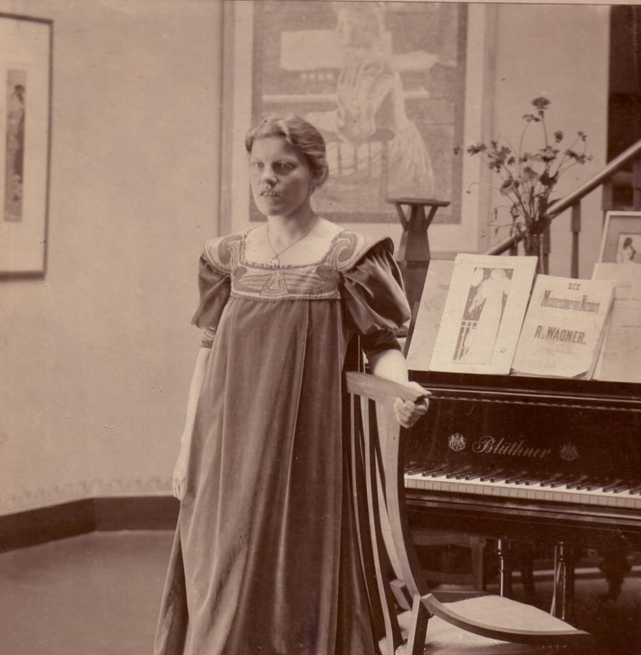 Tea gown - 2019 at Klassik Stiftung Weimar