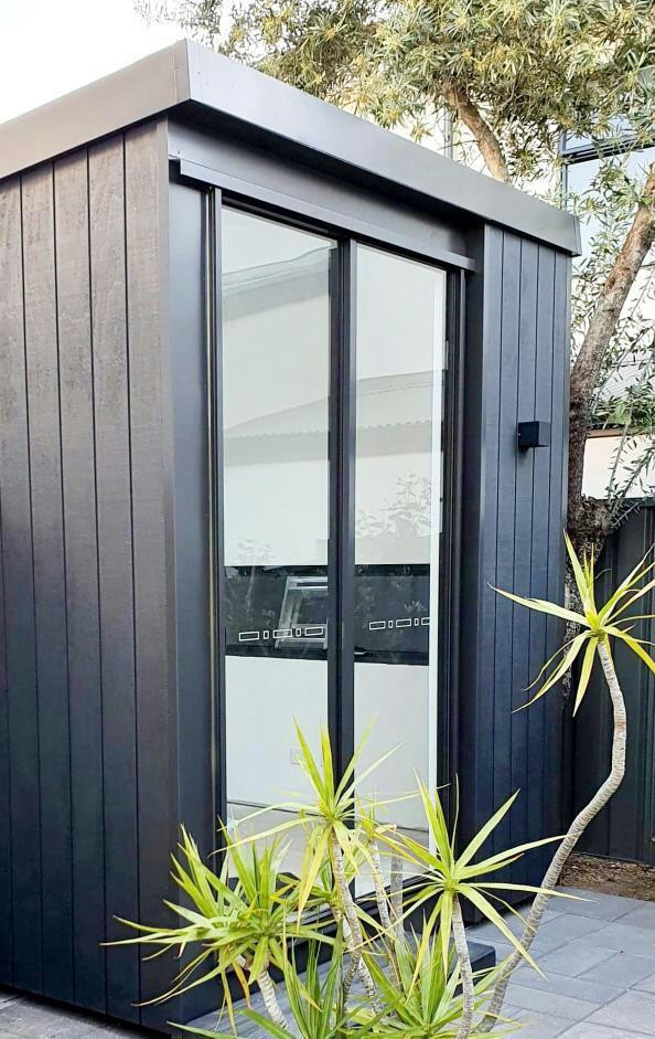 inoutside garden room - Cabin design