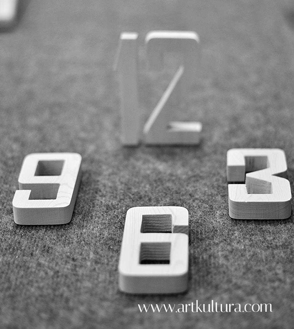 Цифры для часов из дерева